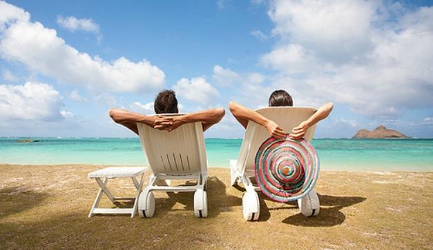 parejas en vacaciones